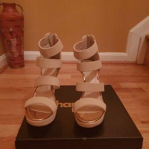 Woman Wedge Shoe
